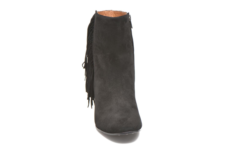 Bottines et boots Frye Jodi Fringe Short Noir vue portées chaussures