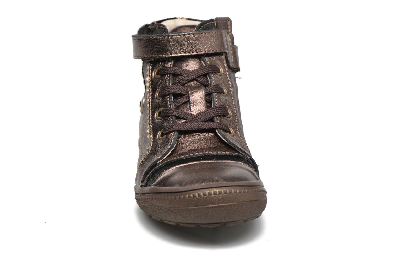 Baskets Catimini Abeille Or et bronze vue portées chaussures