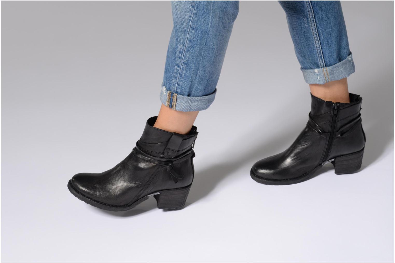 Stiefeletten & Boots Khrio Oréona schwarz ansicht von unten / tasche getragen