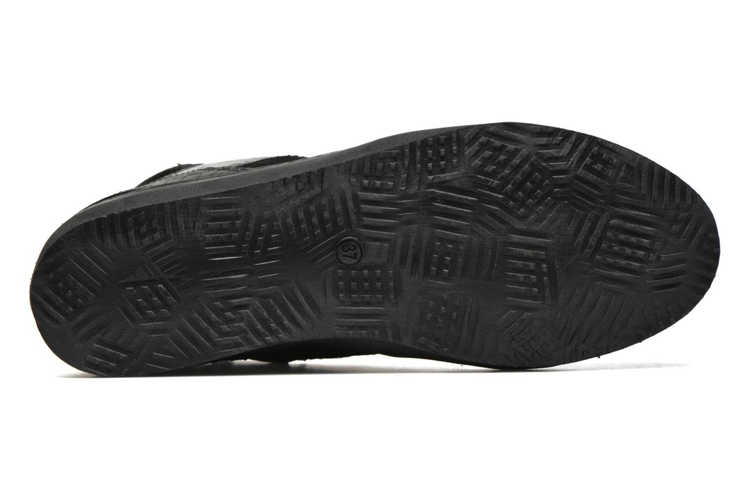 Trainers Khrio Broma Black view from above
