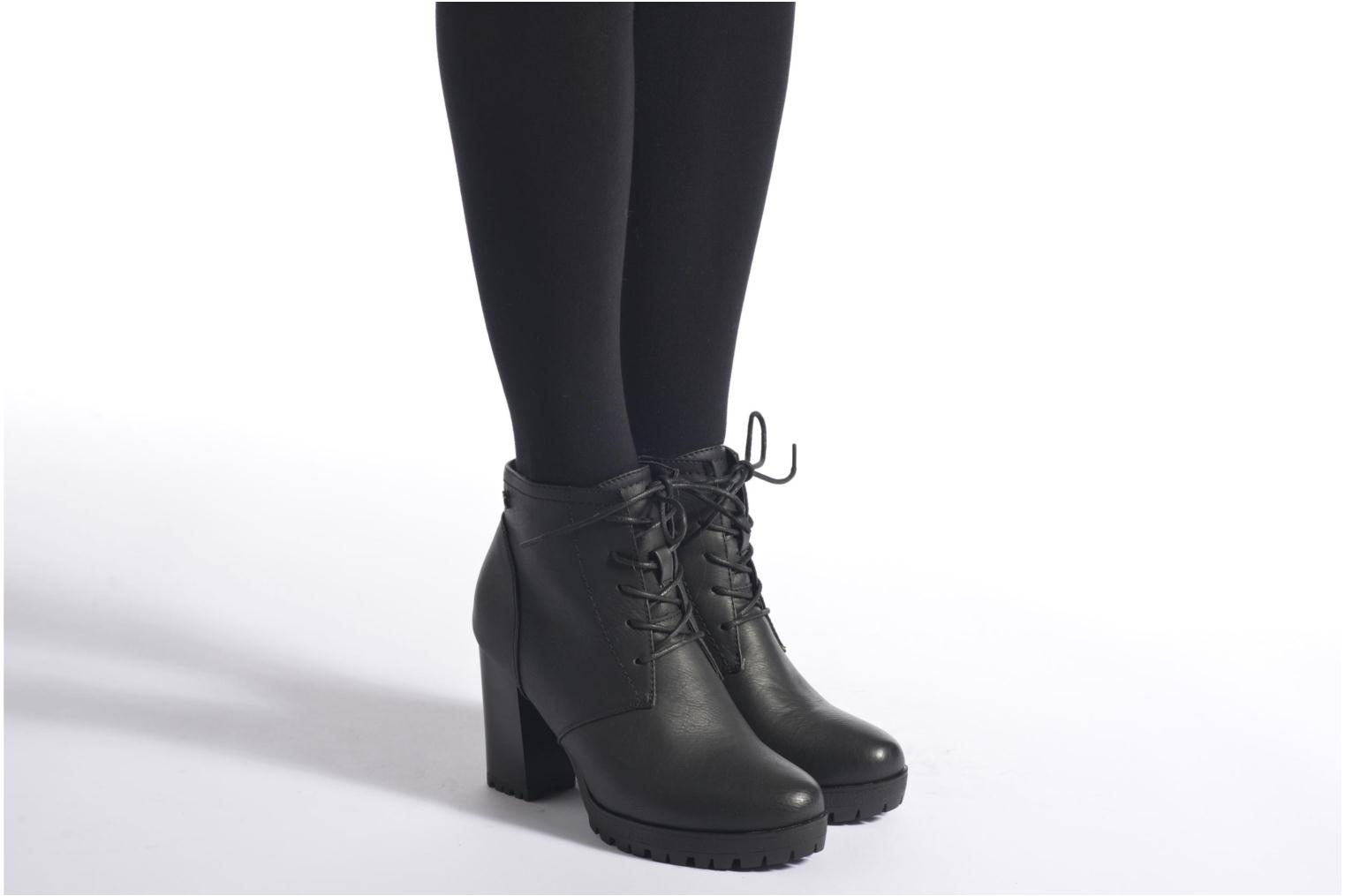 Ankle boots Refresh Charlotte 62176 Black view from underneath / model view