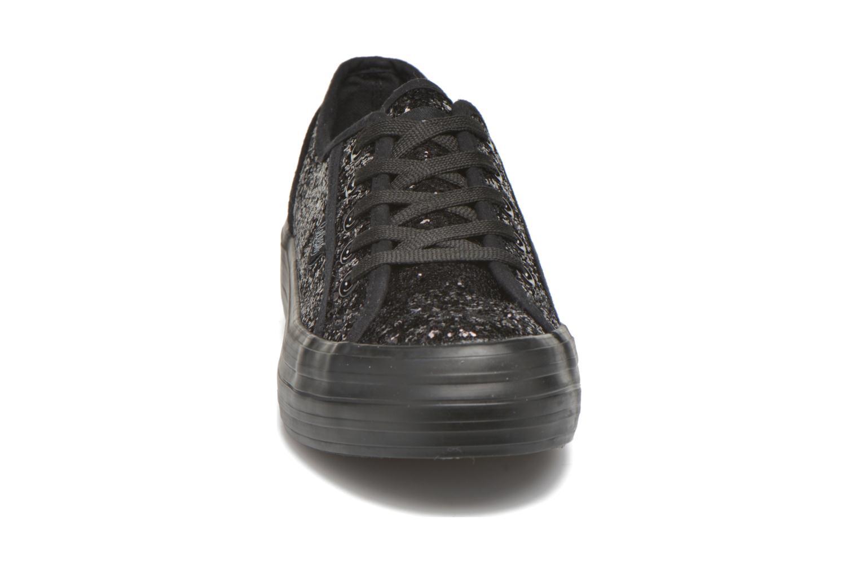 Sneaker Refresh Anna 62223 schwarz schuhe getragen