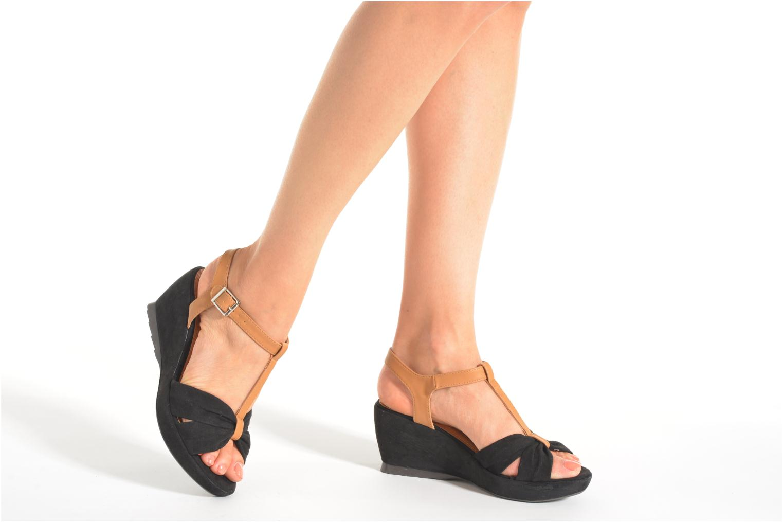 Sandales et nu-pieds Refresh Cassida-61790 Noir vue bas / vue portée sac