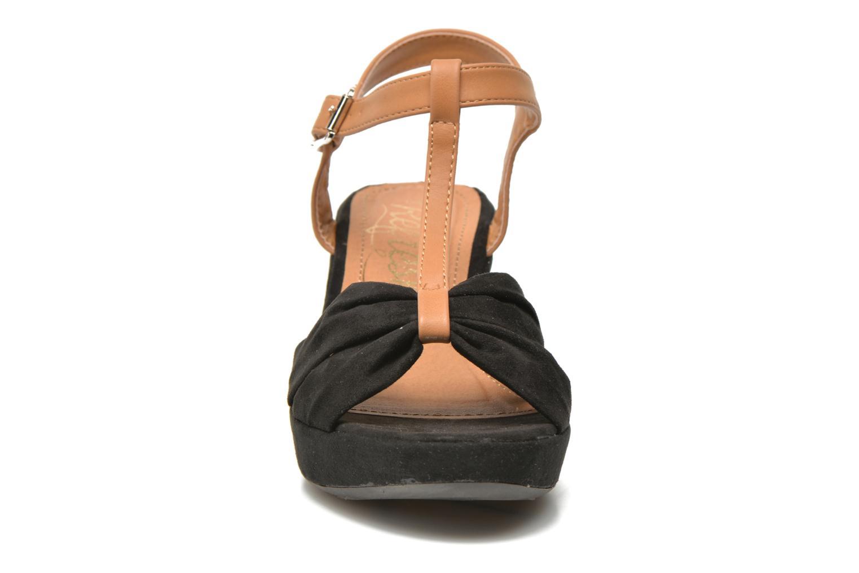 Sandales et nu-pieds Refresh Cassida-61790 Noir vue portées chaussures