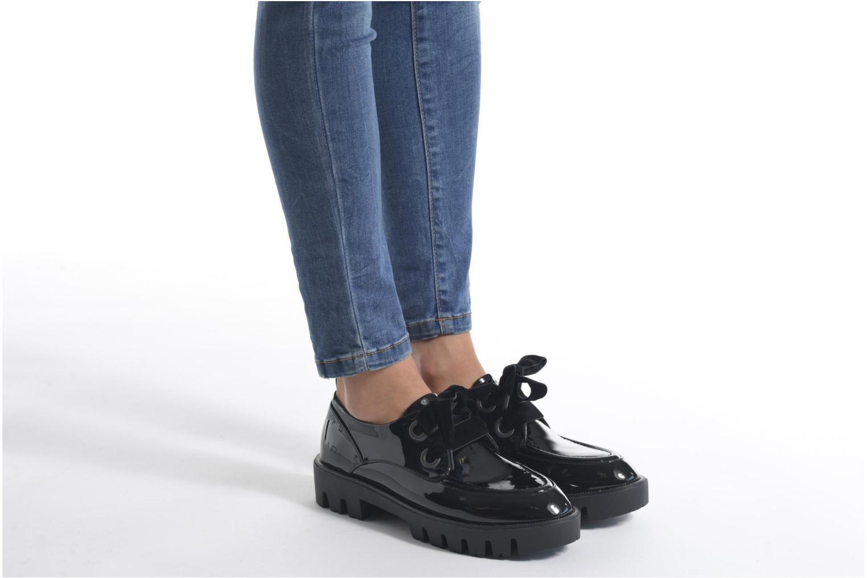 Schnürschuhe Sixty Seven Eugénie schwarz ansicht von unten / tasche getragen