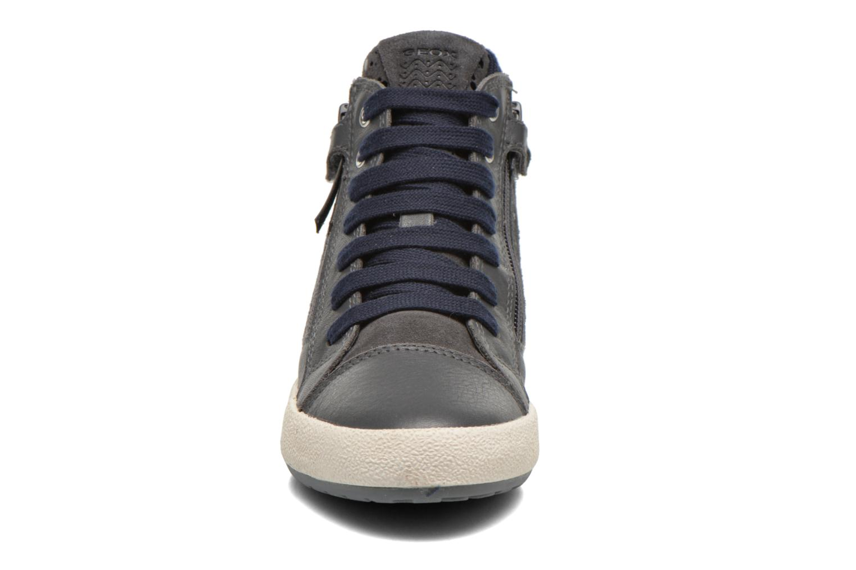 Sneakers Geox J Witty B J64C8B Grigio modello indossato