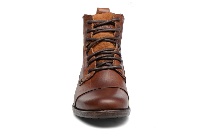 Bottines et boots Levi's Emerson Lace Up Marron vue portées chaussures