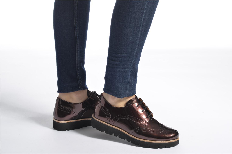 Chaussures à lacets Gabor Susan Rouge vue bas / vue portée sac