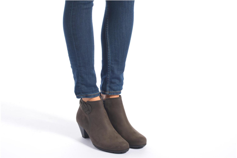 Bottines et boots Gabor Manuelle Gris vue bas / vue portée sac