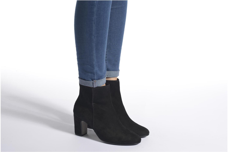 Bottines et boots Gabor Manuella Noir vue bas / vue portée sac