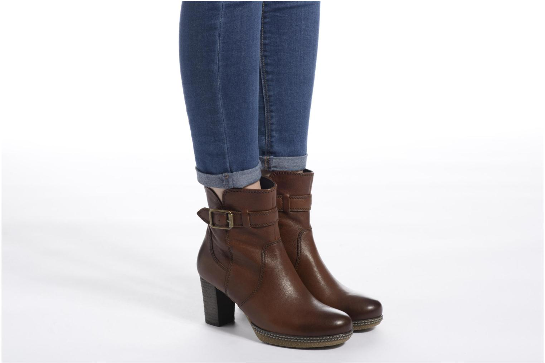 Bottines et boots Gabor Solenne Marron vue bas / vue portée sac