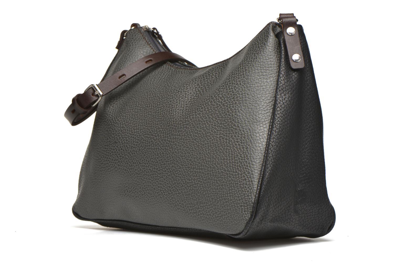 Handtaschen Paquetage Besace grainée grau schuhe getragen