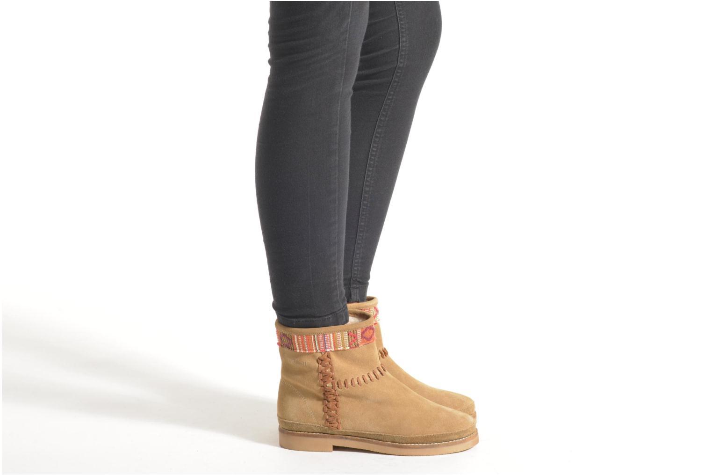 Bottines et boots Coolway Babette Beige vue bas / vue portée sac