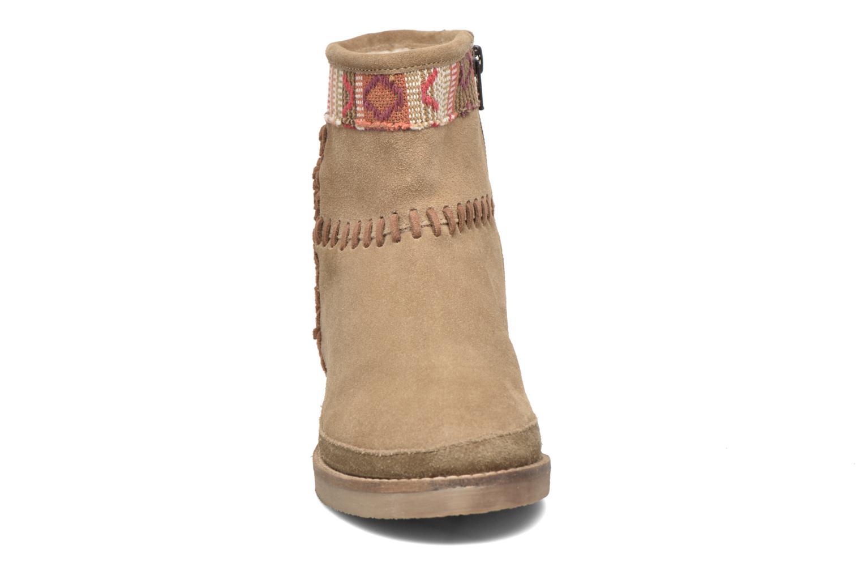 Bottines et boots Coolway Babette Beige vue portées chaussures