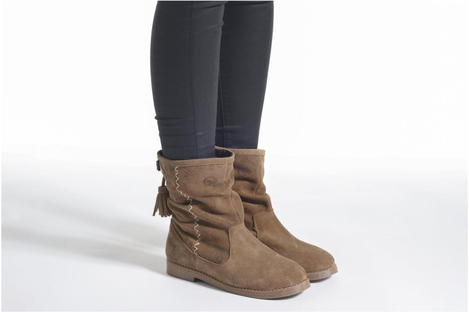 Ankle boots Coolway Betina Brown view from underneath / model view