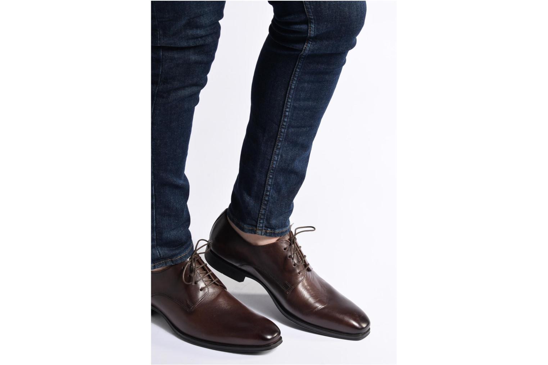 Chaussures à lacets Marvin&Co Thorne Marron vue bas / vue portée sac