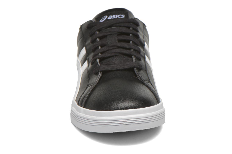 Sneakers Asics Classic Tempo Nero modello indossato