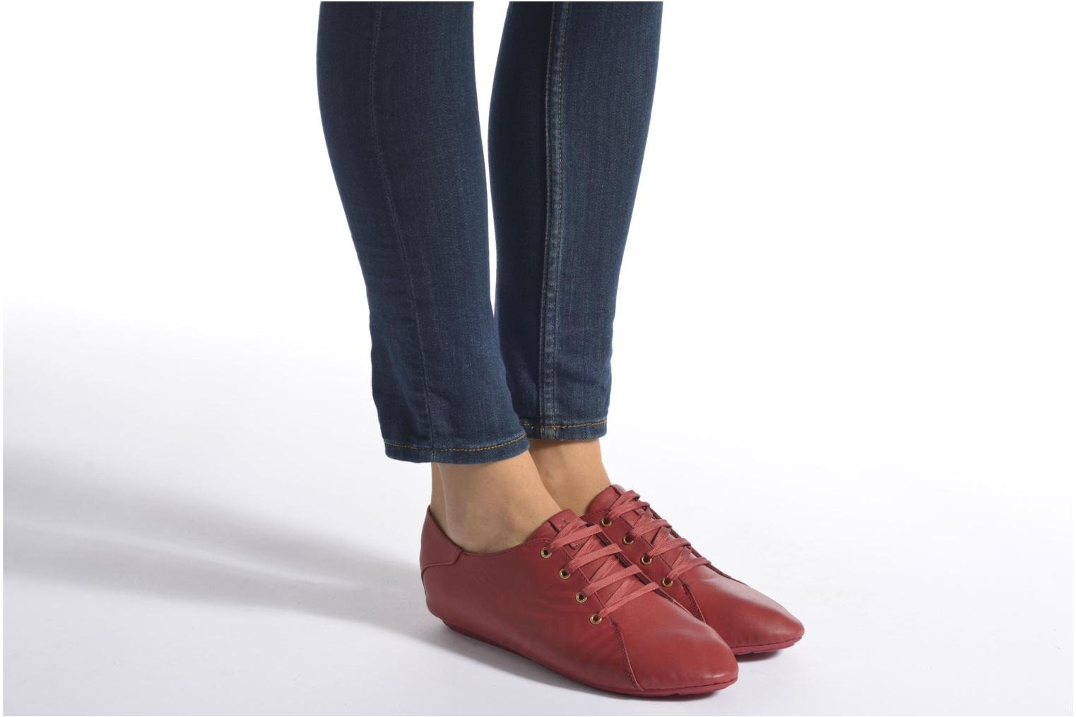 Lace-up shoes TBS Charlyn Red view from underneath / model view