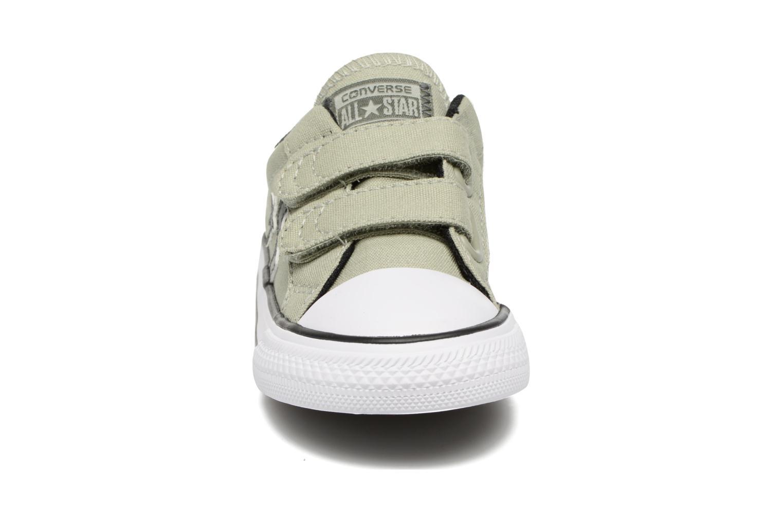 Sneaker Converse Star Player 2V Ox grün schuhe getragen