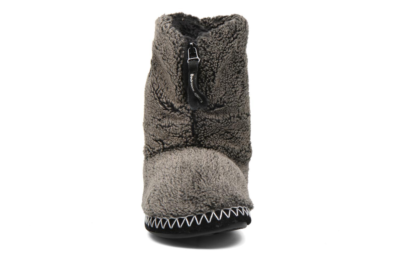 Chaussons BEDROOM ATHLETICS Crowe Gris vue portées chaussures