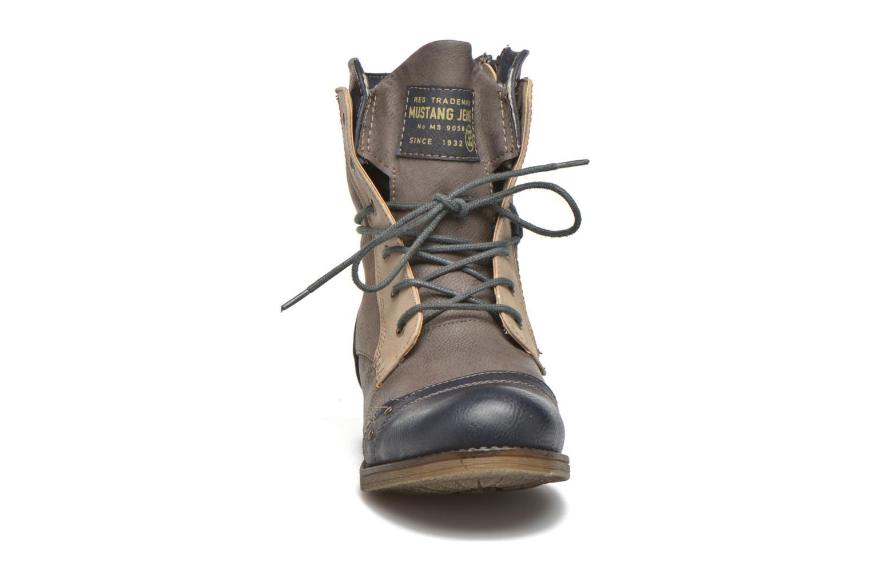 Bottines et boots Mustang shoes Christa K Bleu vue portées chaussures