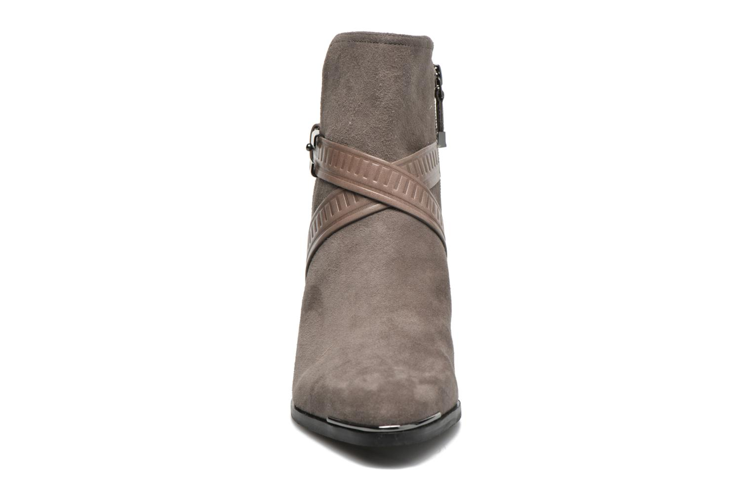 Ankle boots What For Meyes Brown model view