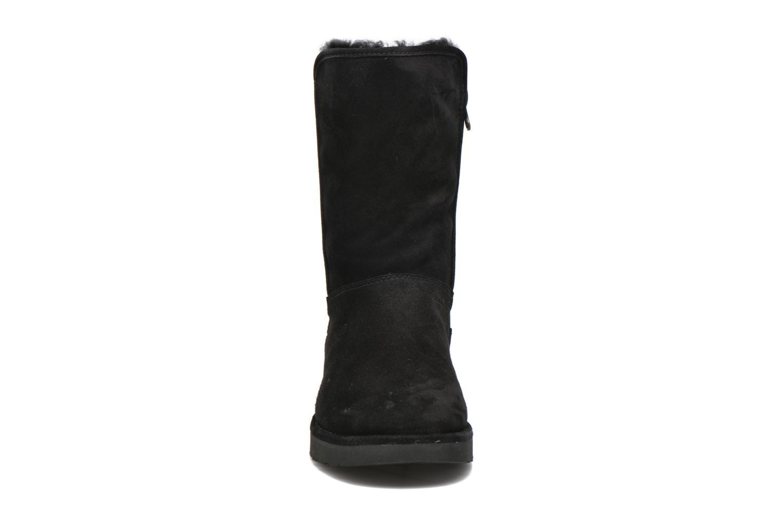 Stiefeletten & Boots UGG Abree Short II schwarz schuhe getragen