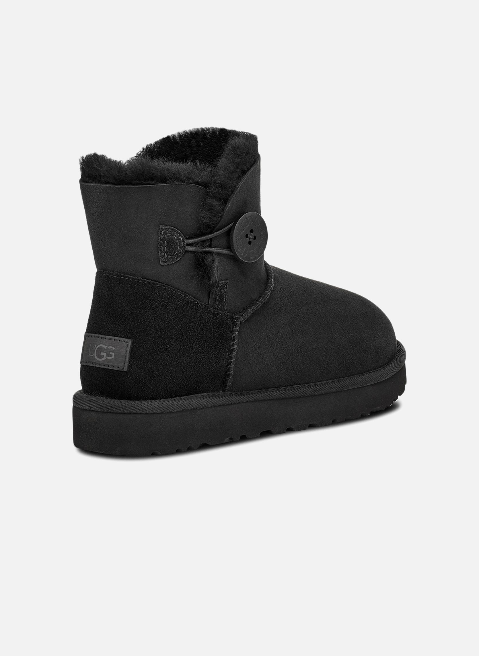 Bottines et boots UGG W Mini Bailey Button II Noir vue portées chaussures