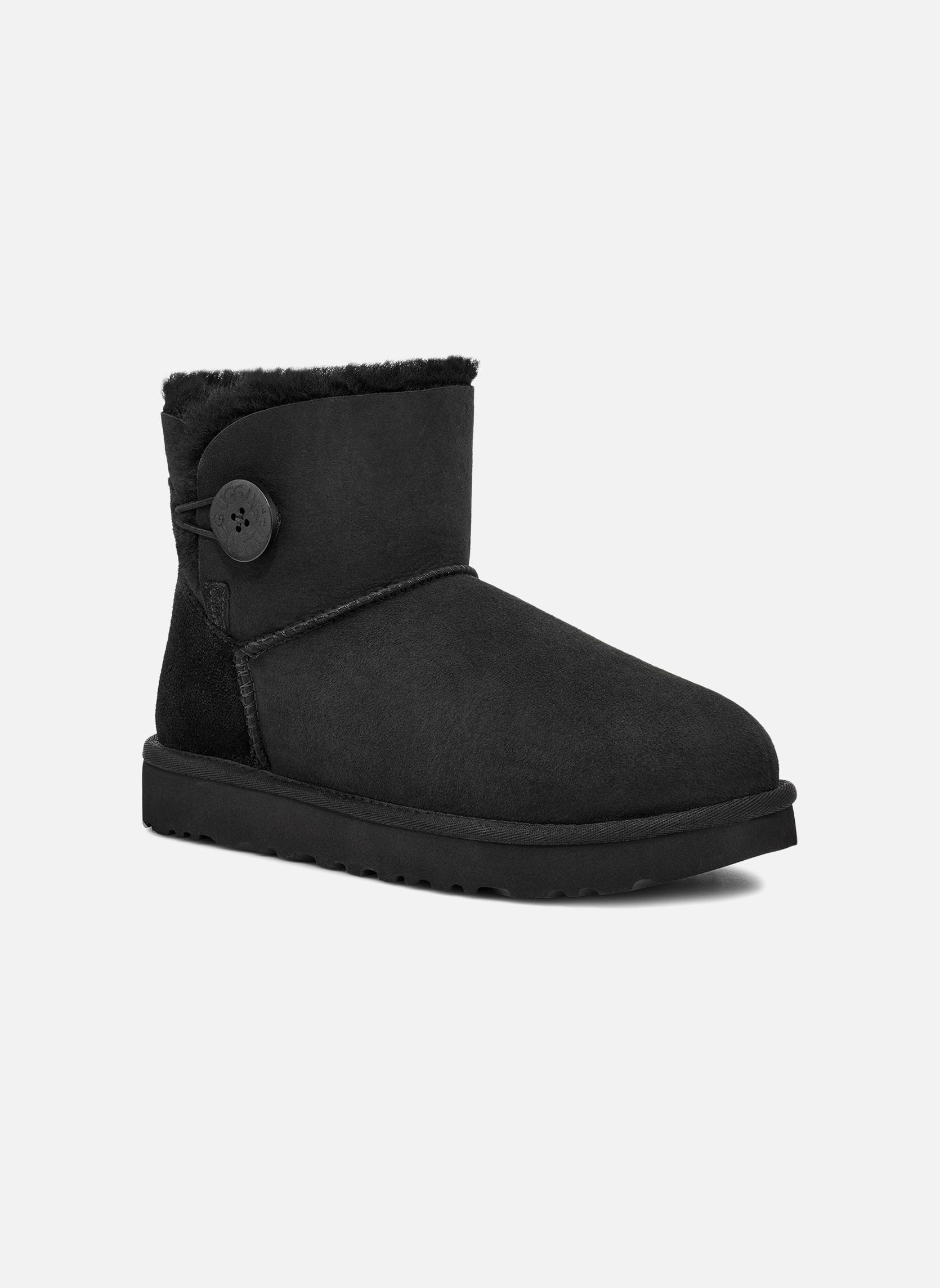 Stiefeletten & Boots UGG W Mini Bailey Button II schwarz detaillierte ansicht/modell