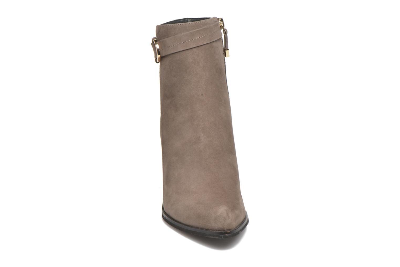 Bottines et boots What For Griz Marron vue portées chaussures