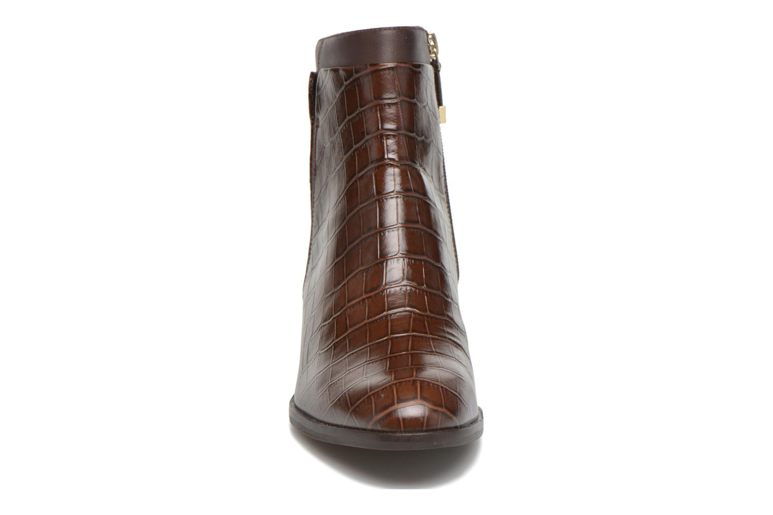 Ankle boots What For Panhu Brown model view