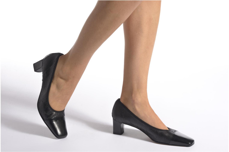 High heels Elizabeth Stuart Eres 515 Black view from underneath / model view