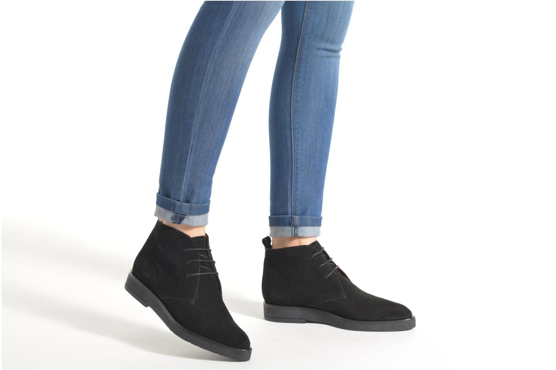 Lace-up shoes Elizabeth Stuart Volta 334 Black view from underneath / model view
