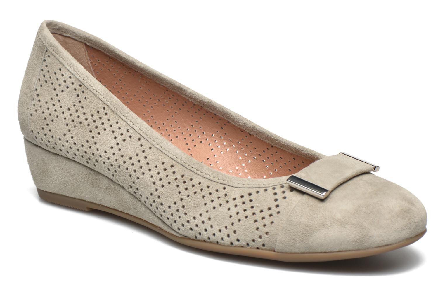 Ballet pumps Stonefly Maggie II 2 Pig Nubuck Beige detailed view/ Pair view