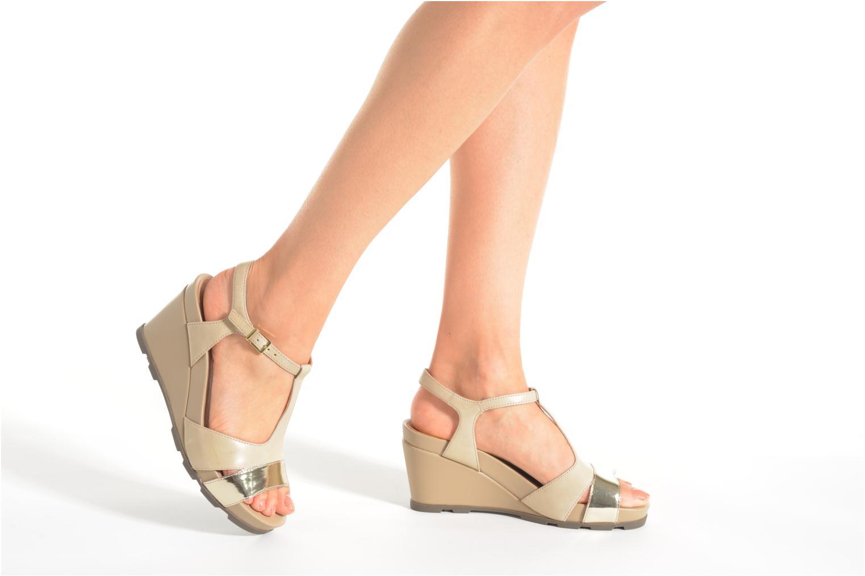 Sandales et nu-pieds Stonefly Anita 3 Beige vue bas / vue portée sac
