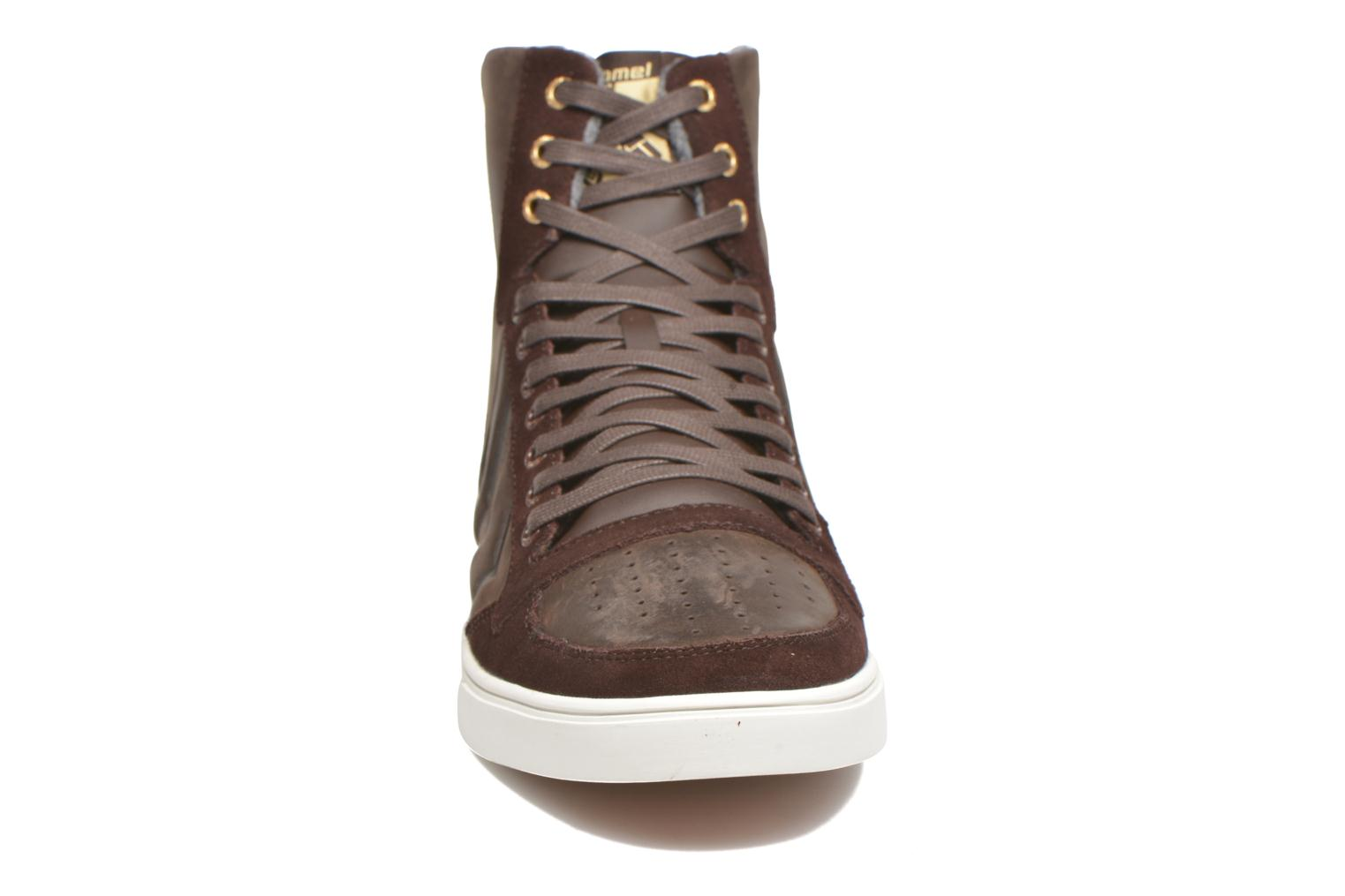 Sneakers Hummel Ten Star Mono Oiled High Brun se skoene på