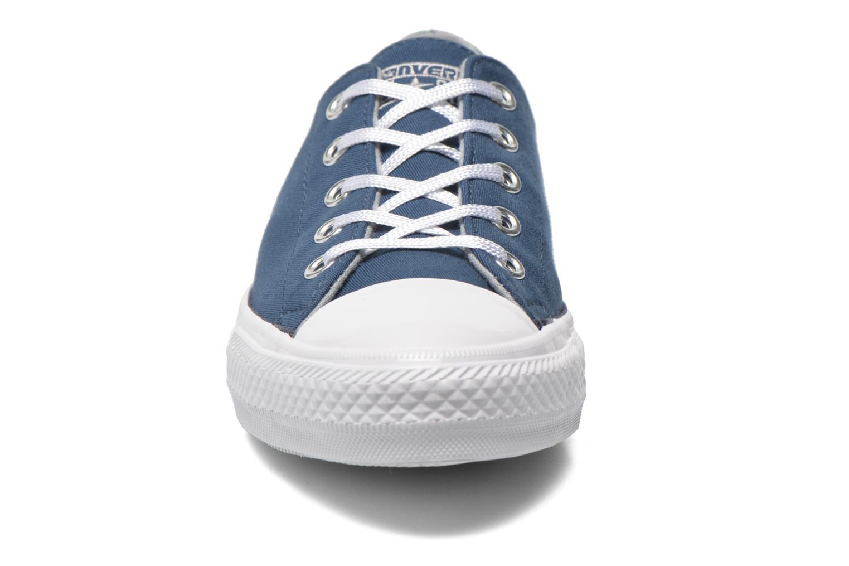 Sneakers Converse Chuck Taylor All Star Gemma Twill Ox Azzurro modello indossato