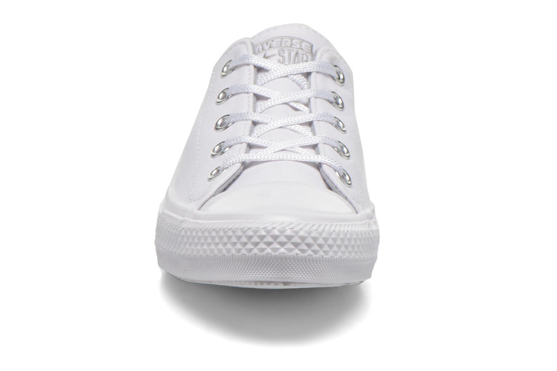 Baskets Converse Chuck Taylor All Star Gemma Twill Ox Blanc vue portées chaussures