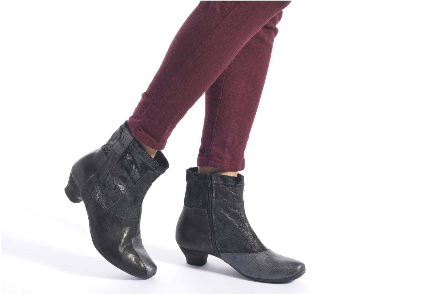 Bottines et boots Think! Aida 87260 Noir vue bas / vue portée sac