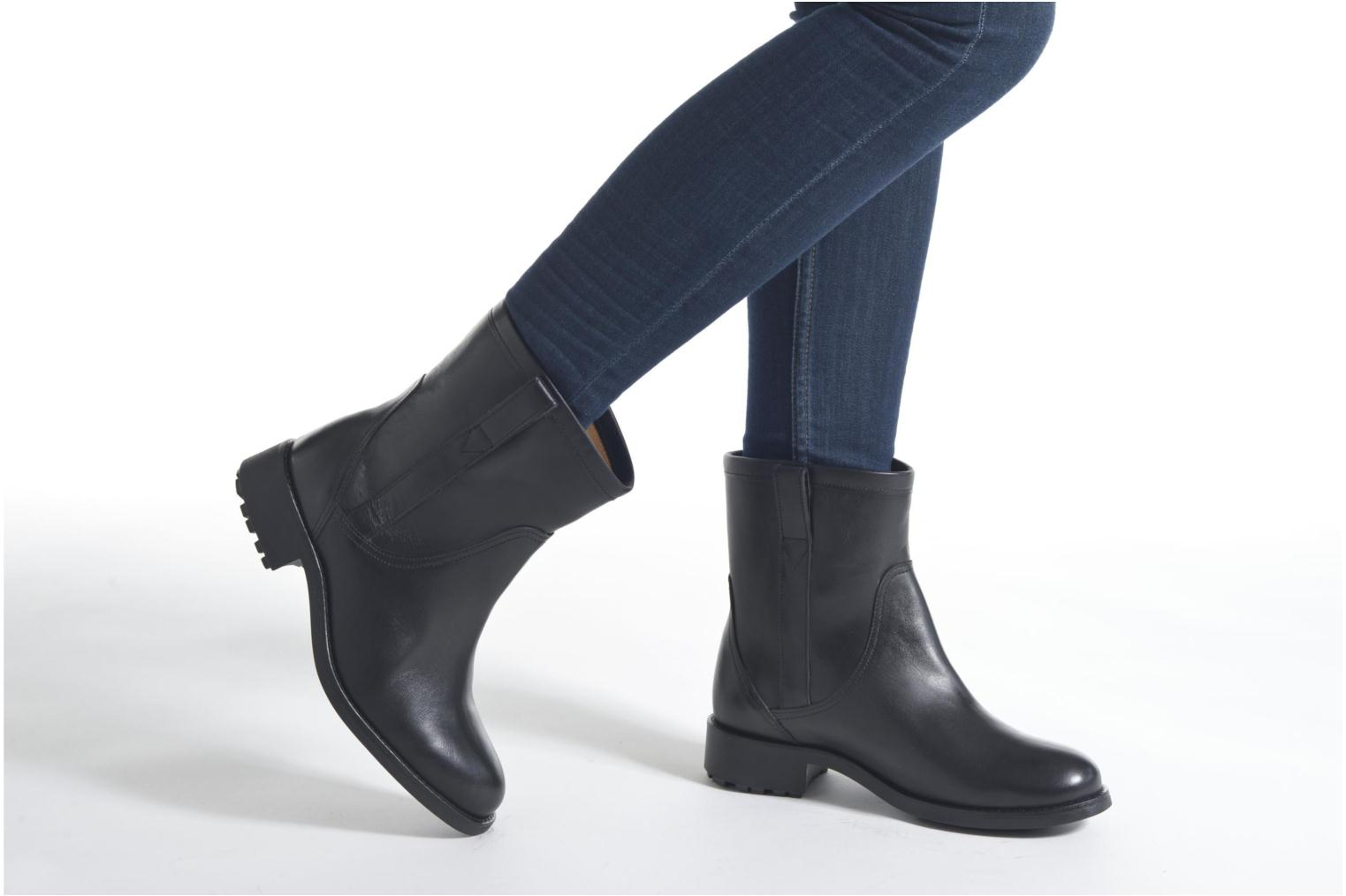Ankle boots Aigle Chanteside Low Black view from underneath / model view