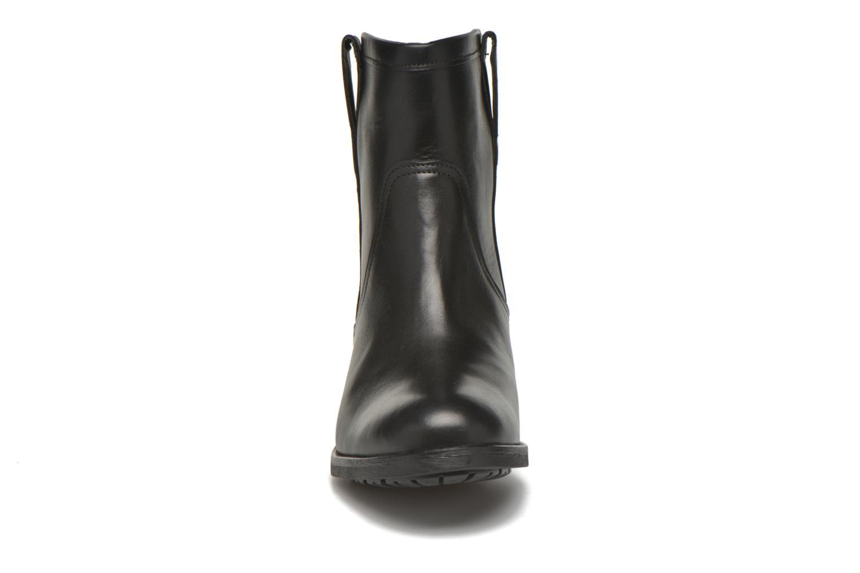 Ankle boots Aigle Chanteside Low Black model view