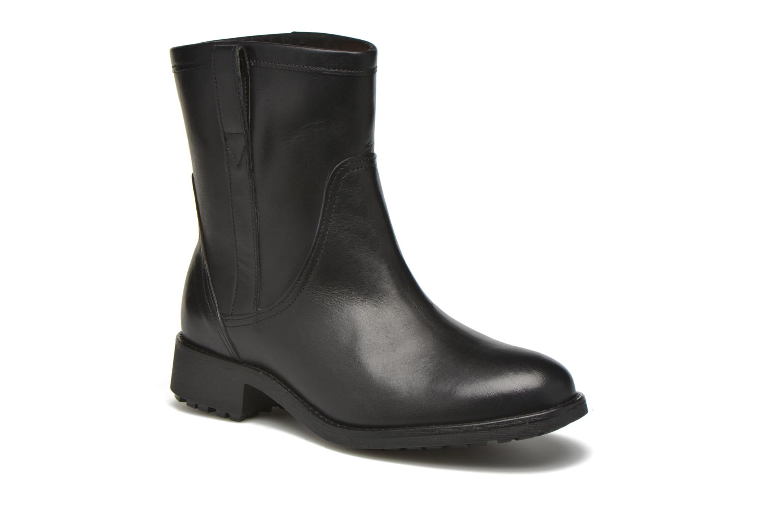 Ankle boots Aigle Chanteside Low Black detailed view/ Pair view