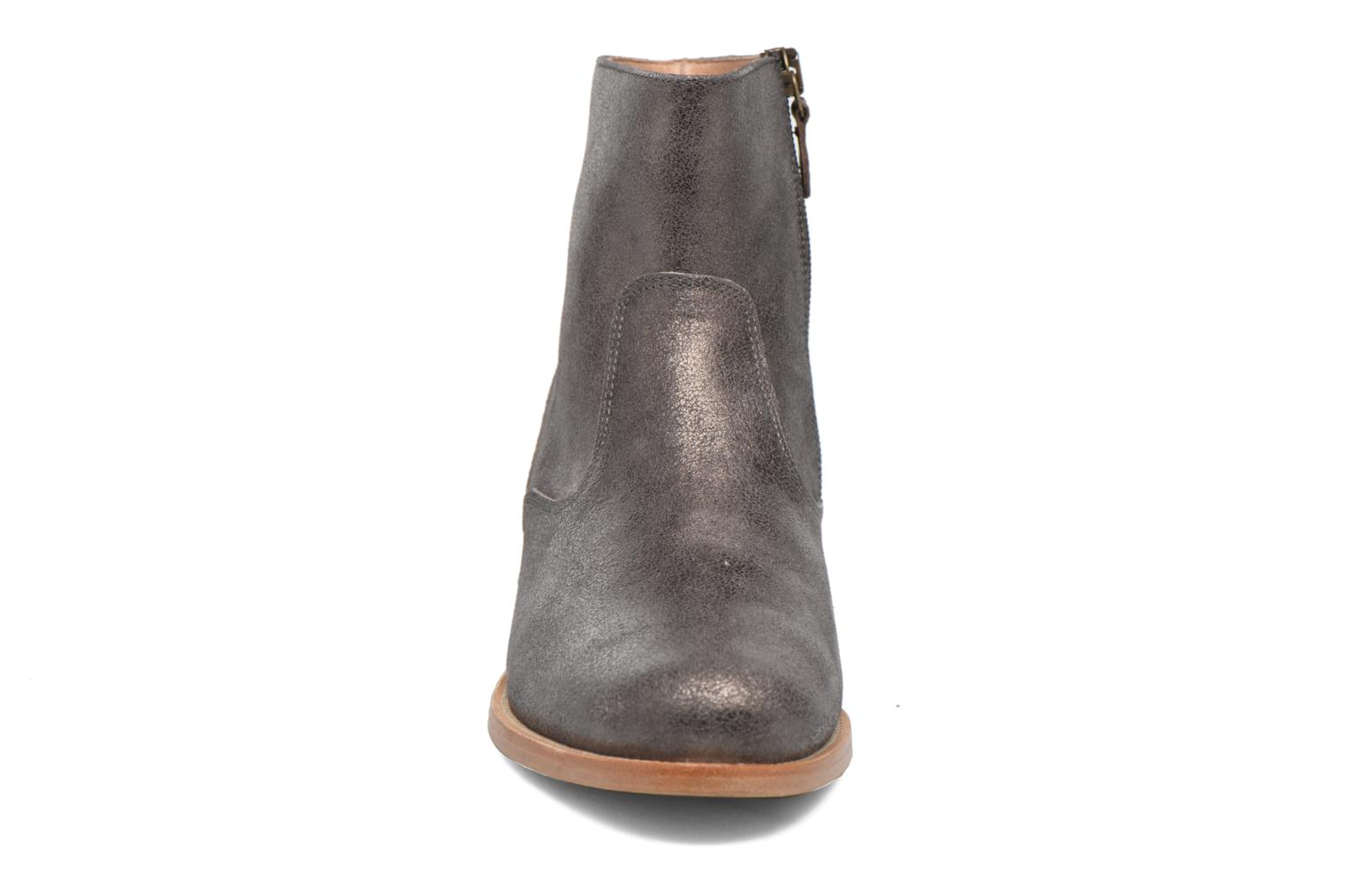 Ankle boots Bensimon Boots croute velours plate Grey model view