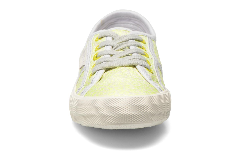 Baskets Pepe jeans Baker fluor Jaune vue portées chaussures