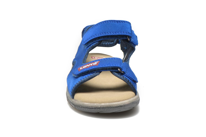 Sandales et nu-pieds Levi's Sandor Bleu vue portées chaussures