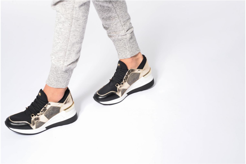 Sneaker Michael Michael Kors Scout Trainer schwarz ansicht von unten / tasche getragen