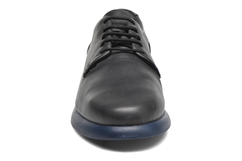 Chaussures à lacets Camper Monday K200249 Noir vue portées chaussures