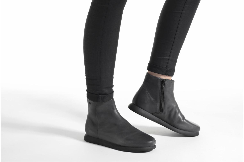 Stiefeletten & Boots Camper Monday K400130 schwarz ansicht von unten / tasche getragen