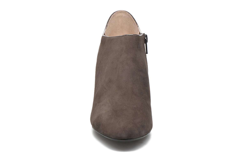 Boots en enkellaarsjes JB MARTIN 2Selma Grijs model