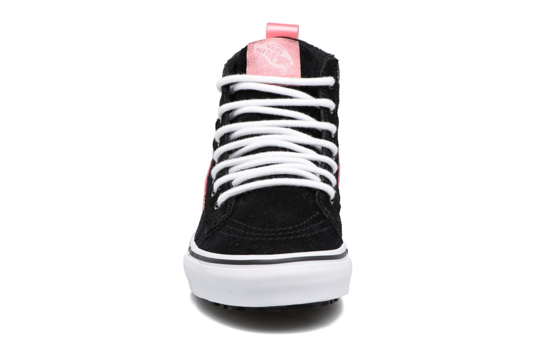 Baskets Vans SK8-Hi MTE K Noir vue portées chaussures